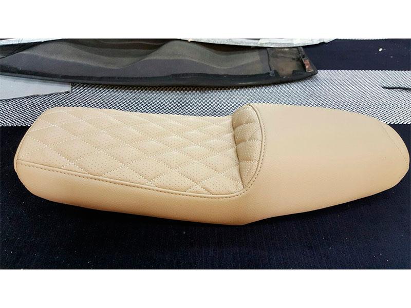 tapizado-asientobeige-de-moto-madrid